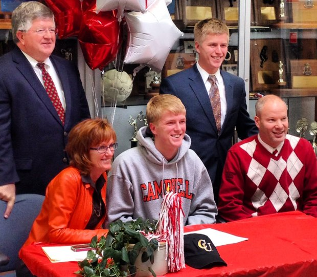 Tom Nettles signs with Campbell