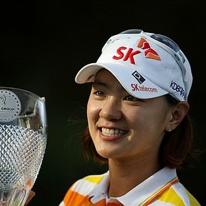 Na Yeon Choi holds the trophy for pictures after winning the CME Group Titleholders at Twin Eagles Club.