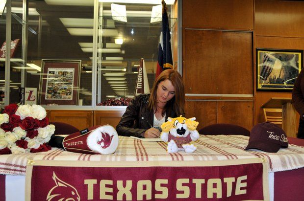 Ali Cowan signs with Texas State