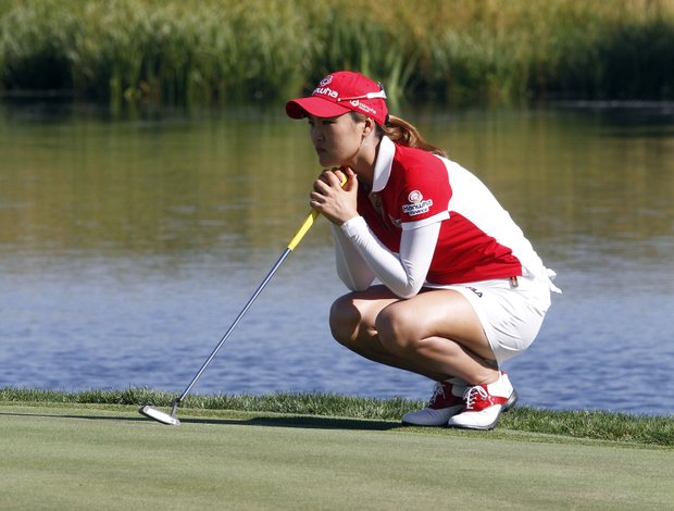 So Yeon Ryu, from South Korea, lines up her putt on nine during the final round of the LPGA Safeway Classic golf tournament in North Plains, Ore., Sunday, Aug. 19, 2012.