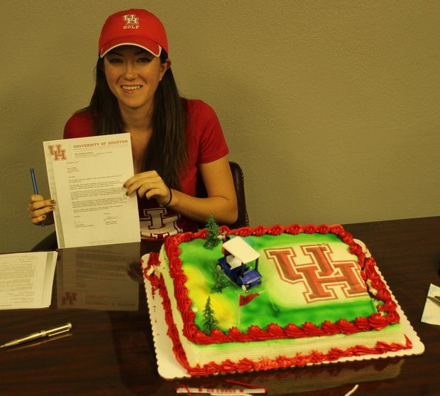 Emily Gilbreth signs with Houston