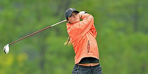 Notes: Vines ascends to No. 1 behind putting