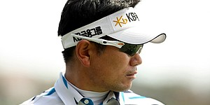 Yang likes windy conditions, moves into contention