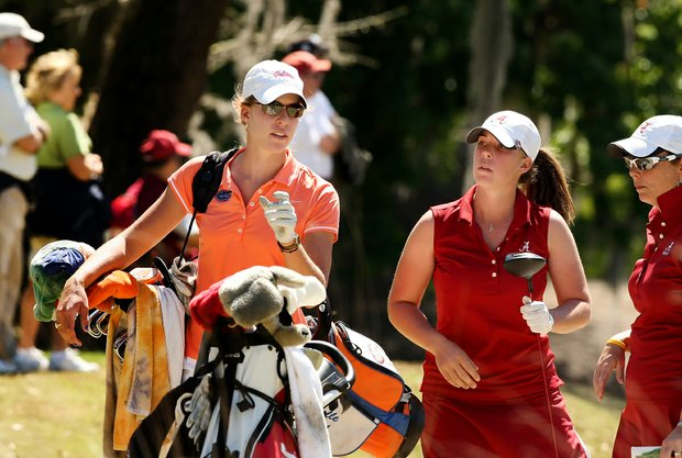 Sisters Isabelle Lendl of the Gators and Daniela Lendl of Alabama played together in Round 2 of the Sun Trust Gator Women's Invite.
