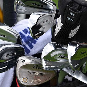 Jeff Overton uses a well-worn set prototype set of Mizuno blade irons.