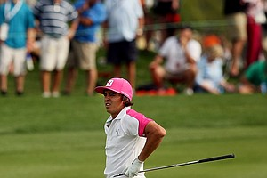 Rickie Fowler at No. 18 on Saturday at Arnold Palmer Invitational. He is in second, two shots behind Tiger Woods.