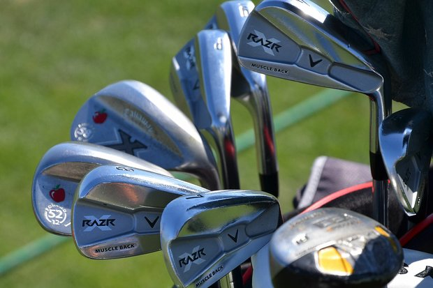 Sitting next to a set of RAZR X Muscleback irons are Callaway X Forged wedges stamped with a Red Delicious on the toe – evidence that these clubs belong to Stuart Appleby.