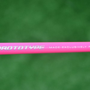 Bubba Watson's shaft, a Grafalloy BiMatrx prototype, also is pink.