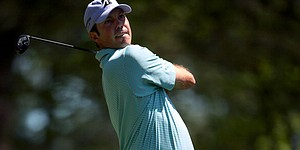 Kuchar climbs closer to lead at Augusta