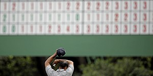 Tiger's penalty elicits competitors' reactions