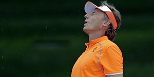Notebook: Langer's birdie binge is washed out