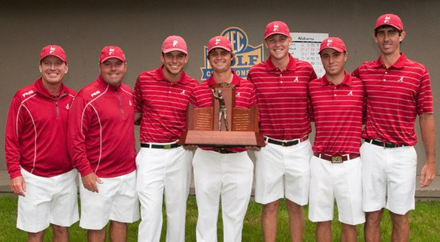 The Alabama men's golf team after winning the 2013 SEC Championship.