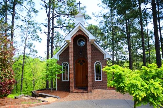Players have access to the H.E. Wyatt chapel on property at Sage Valley. It is situated to the right of the first tee box.