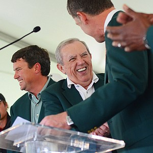 Sage Valley owner Weldon Wyatt (center) is all smiles after Electrolux announced that it was extending its title sponsorship of the event through 2017.