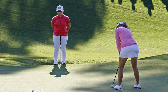 Paula Creamer's putt misses during Jiyai Shin's playoff LPGA win in the 2012 Kingsmill Championship.