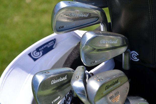 Gonzalo Fernandez-Castano blends cavity-back Cleveland CG1 Tour 3- and 4-irons with Muscleback CG1 Tour irons to create his set.