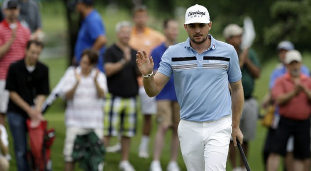 How it happened: Bradley takes three-shot lead