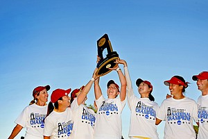 USC Trojans won by 21-shots at the 2013 Women's NCAA Championship. Left to right: Annie Park, Kyung Kim, Doris Chen, Rachel Morris and Sophia Popov.