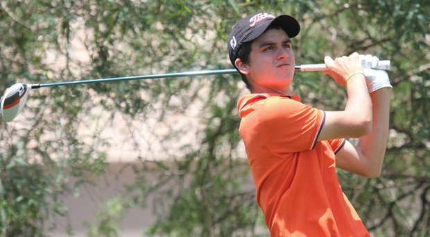 Jorge Garcia fired a second consecutive 68 to take a three-shot lead at the Thunderbird on Sunday.