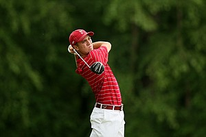 Alabama's Justin Thomas hits his tee shot at No. 16 during the final round of stroke play of the 2013 NCAA Championship.