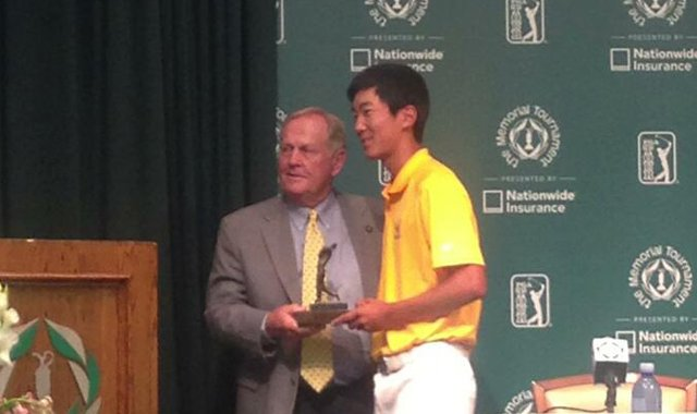 Jack Nicklaus and Michael Kim of Cal at the 2013 Memorial in Muirfield Village.