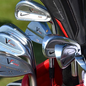 Nick Watney practiced with a set that included Nike VR_S Forged and Nike VR Pro Combo irons.