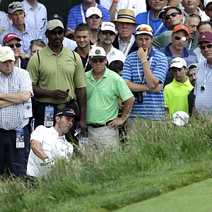 Mike Weir chips onto the 17th green during the fourth round of the U.S. Open.
