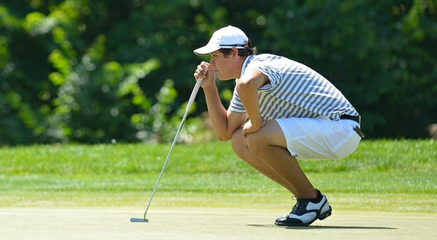 Rafael Becker took the first-round lead at the Northeast Amateur.