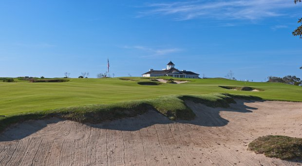The par-5 8th hole at Sebonack.