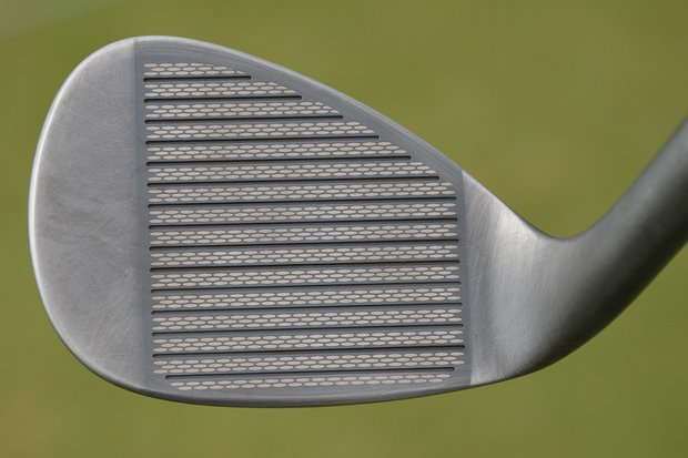 The tan ovals are a surface-roughening treatment that is laser-etched across the face of each Mack Daddy 2 wedge.