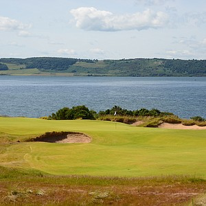 The par-5 second hole at Castle Stuart.