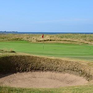 The green on Western Gailes' 12th hole, Dyke.