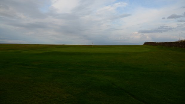 The 18th green at Crail.