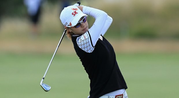 Na Yeon Choi charged into a share of the final-round lead early on Sunday.