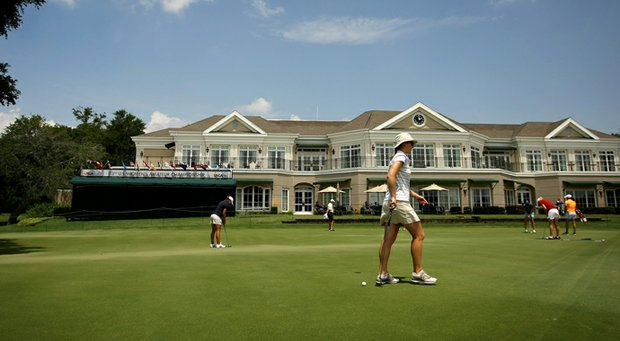 Players get in some putting practice prior to the 2013 U. S. Women's Amateur at Country Club of Charleston.