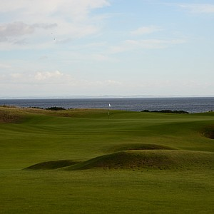 The first hole at Kingsbarnes goes right to the water and it never seems to end the views of the North Sea.