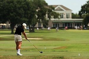 Kelly Shon hits her tee shot at No. 18 during the second round of stroke play at the 2013 U. S. Women's Amateur at Country Club of Charleston.