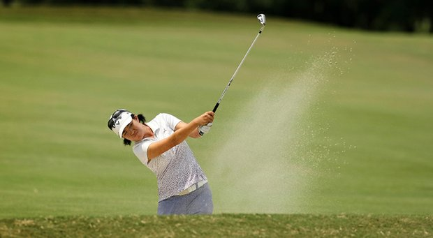 Yueer Cindy Feng climbed to the top of the stroke-play leaderboard Tuesday at the U.S. Women's Amateur.