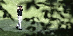 Even with 1-over 71, Mickelson lends thrills