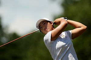 Su-Hyun Oh hits her tee shot at No. 2 during the quarterfinals of match play at the 2013 U. S. Women's Amateur at Country Club of Charleston.