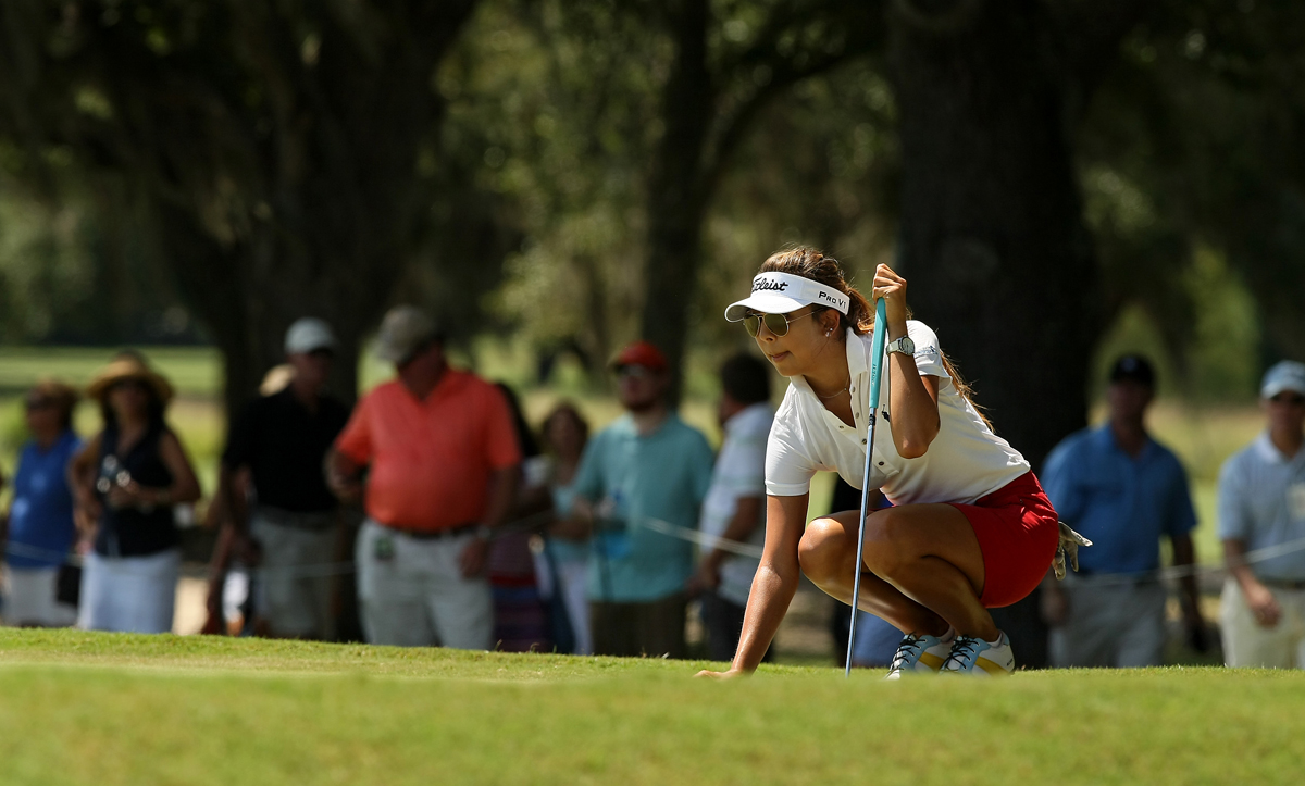Alison Lee lines up her putt at No. 5 during the quarterfinals of match play at the 2013 U. S. Women's Amateur at Country Club of Charleston.