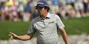 Dufner ties all-time major record with 63