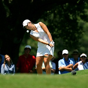 Emma Talley hits a chip shot at No. 16 during the semifinals of match play at the 2013 U. S. Women's Amateur at Country Club of Charleston.