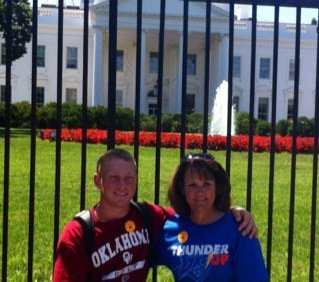 Brad Dalke and his mom, Kay, in front of the White House.