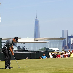 Kevin Chappell during the final round of The Barclays, the first event of the 2013 FedEx Cup playoffs, at Liberty National.