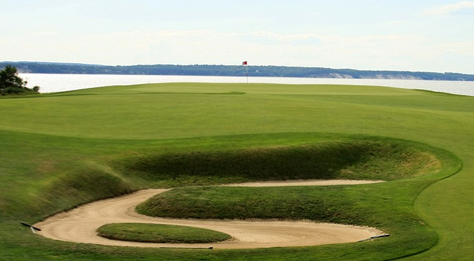 The 18th hole at National Golf Links in Southampton, N.Y., where several matches were determined during the 2013 Walker Cup.