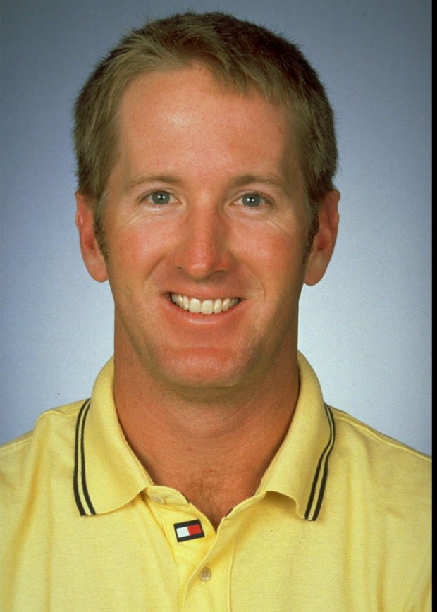 David Duval's 59 came during the final round of the 1999 Bob Hope Chrysler Classic. He had 10 birdies heading into the 18th, and then eagled the par-5 with a 6-foot putt to reach his 59.