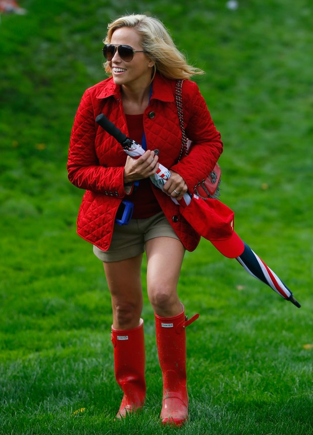 Amy Mickelson walks to the green on the 18th hole during the Day 4 Singles Matches at the Muirfield Village Golf Club.