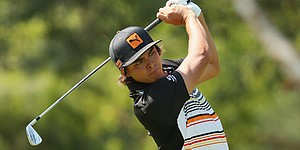 Fowler shoots 63 to take lead at Australian PGA