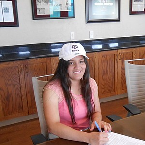 Marijosse Navarro signed with Texas A&M on Wednesday.